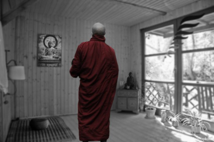 how to live as a buddhist
