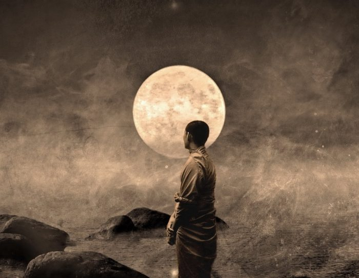 buddhist monk_moon